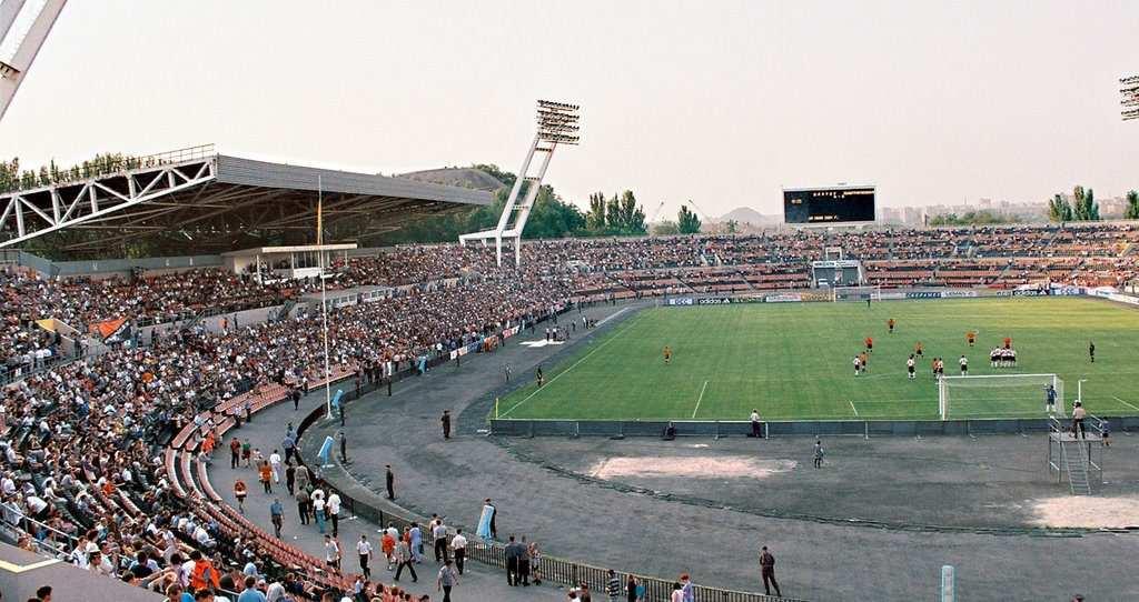 Стадион Шахетер в 2000