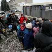 Эвакуация под обстрелами российских оккупантов