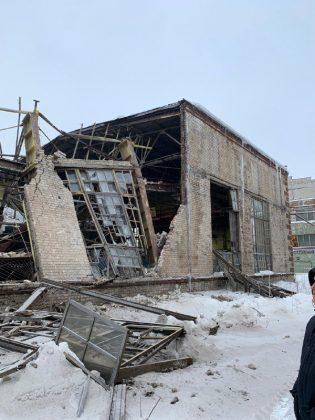 Завод обрушение стен