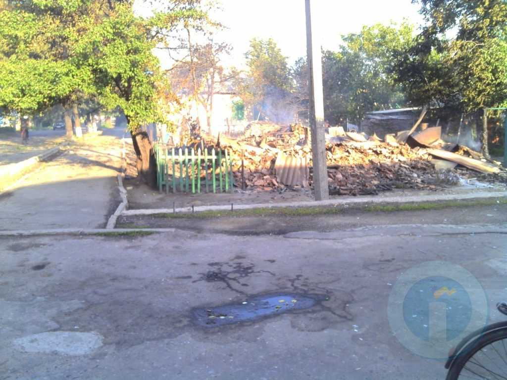 Уничтоженный дом бабушки возле рынка